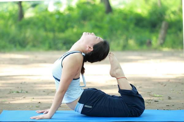 秋季做哪些瑜伽减肥 秋季做瑜伽的好处
