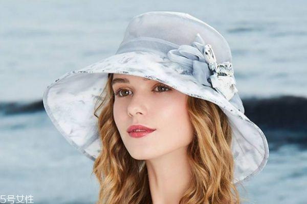适合秋天的帽子有什么呢 帽子有什么种类呢