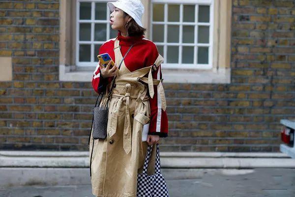 适合冬季内搭的连衣裙有哪些 冬季百褶裙怎么搭