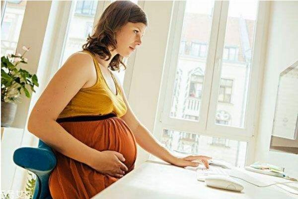 怀孕胃比肚子大怎么回事 为什么怀孕后胃越来越大