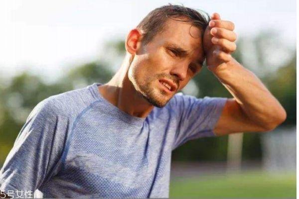 什么是低血糖反应呢 低血糖反应有什么危害呢