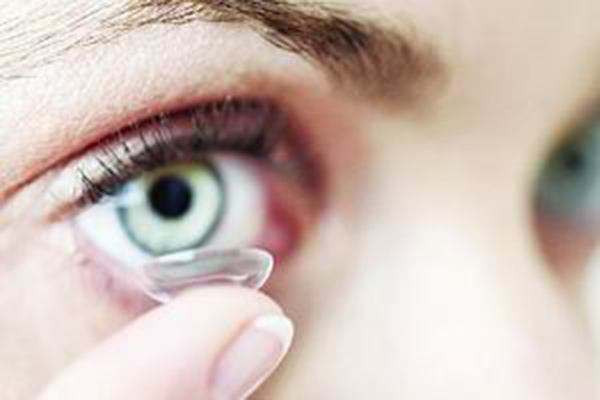 美瞳的危害 怎么避免美瞳的危害