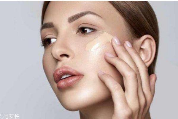 怎么化妆更服帖 让妆容更服帖的技巧