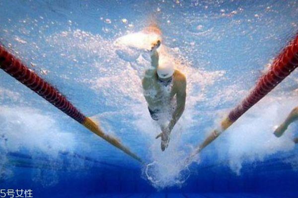怎么样游泳可以减肥呢 想要减肥应该怎么游泳呢