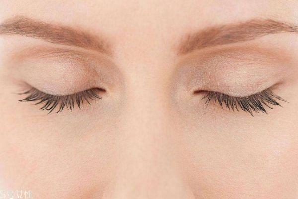 肿眼泡怎么快速消肿 肿眼泡形成的原因