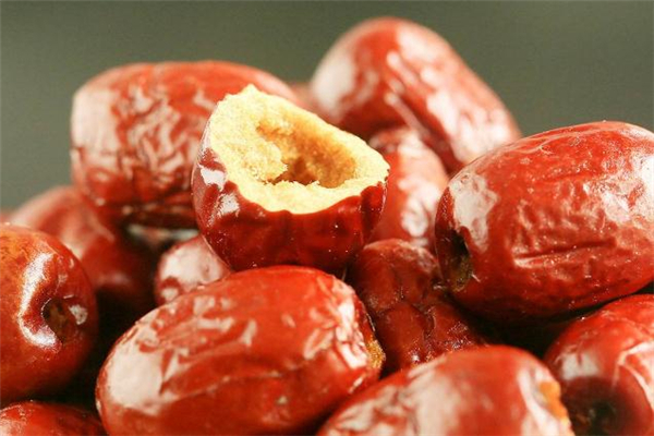 脆枣是油炸的吗 脆枣吃多了有什么坏处