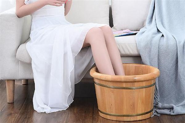 盐水泡脚可以减肥吗 盐水泡脚用什么盐好