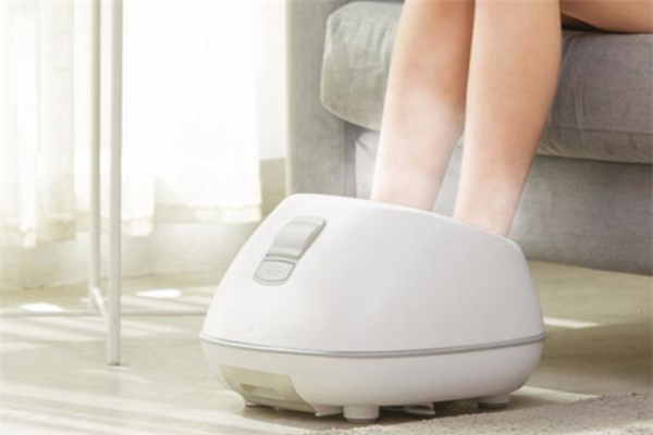 孕妇可以用盐水泡脚吗 孕妇用盐水泡脚好吗