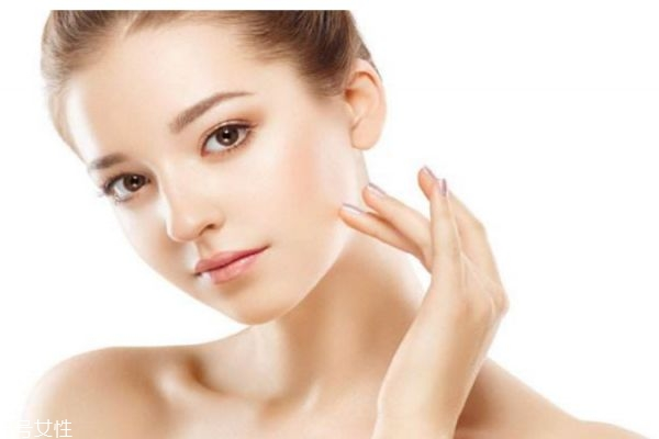 如何区分油性和混合型皮肤 混合型皮肤如何补水呢