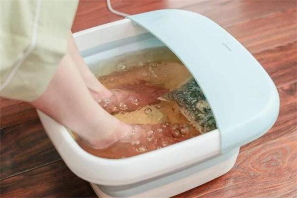 花椒泡脚泡几天最合适 花椒泡脚泡多少分钟