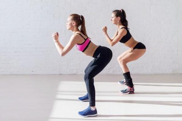 怎样徒手健身练腿 这样练腿会更好看
