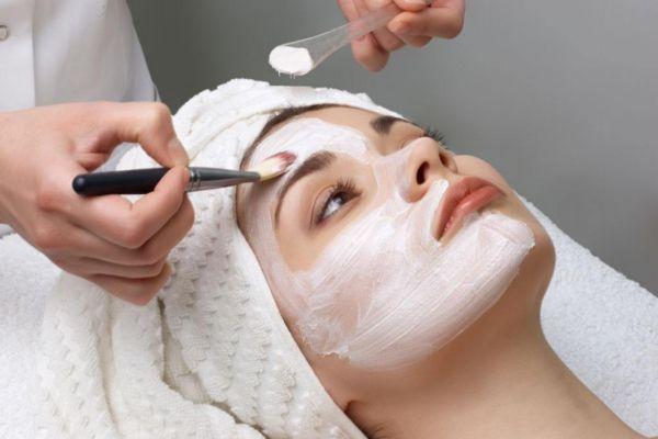 油性皮肤可以天天敷面膜吗 油性皮肤护理小常识