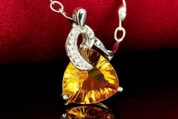 天然水晶和人工水晶的区别 怎样能买到性价比高的黄水晶