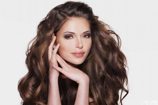 头发多久烫一次比较好 怎么降低烫发的伤害