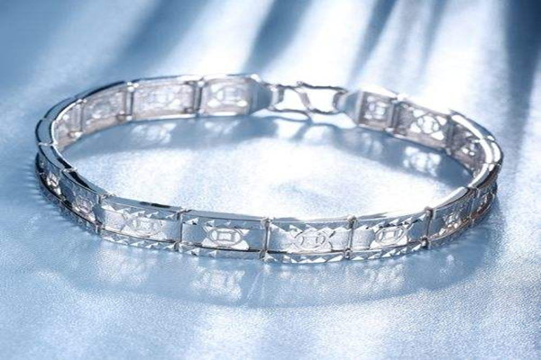 彰显男士品味的手链有哪些 男士手链要怎样的材质好