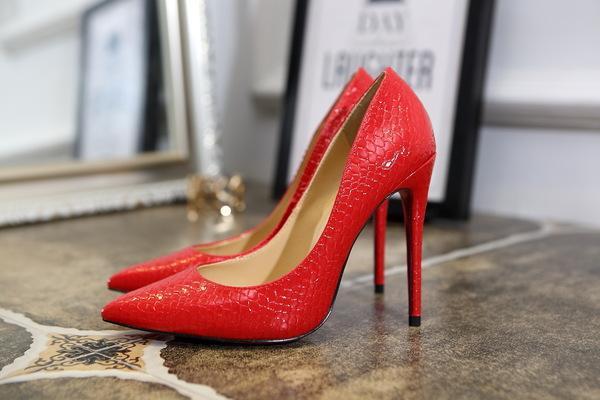 脚宽的女生适合穿什么鞋 脚宽要怎么选鞋子