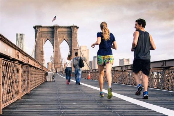 慢跑一周跑几次最好 慢跑什么时间跑最好