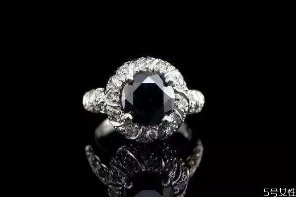 黑色钻石 黑色钻石的主要产地是哪里呢 黑色钻石有什么特点呢
