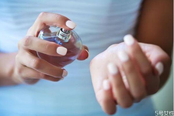 怎么辨别香水真假 选香攻略