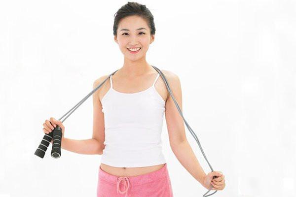 跳绳怎么跳减肥 每天跳绳跳多少下能减肥