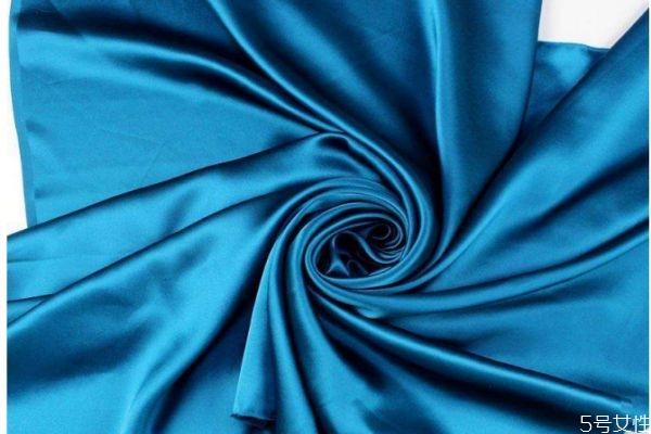 丝绸是什么做的呢 丝绸时候什么面料呢