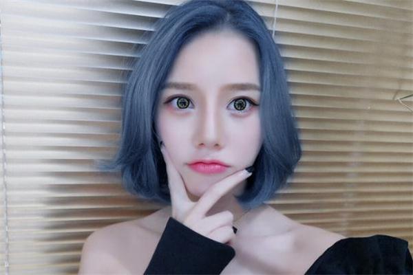 蓝灰色是什么颜色 蓝灰色发色怎么调