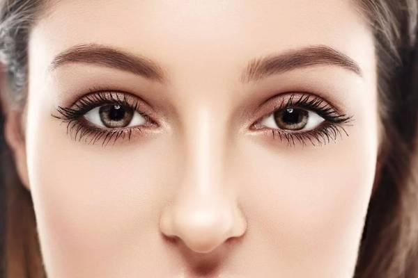 怎么让眼睛变大 让眼睛变大的方法有哪些