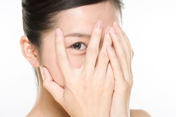 刮痧对消除眼袋有作用吗 如何刮痧去眼袋