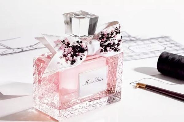 迪奥香水花漾甜心 迪奥花漾甜心香水什么味 花漾甜心香水适合什么人群