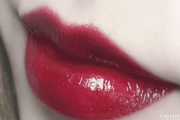 冷皮适合什么颜色口红 适合冷白皮的口红颜色