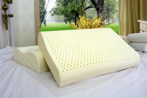 乳胶枕头掉渣怎么回事 乳胶枕掉渣怎么处理