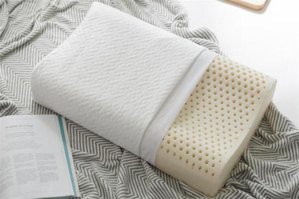 乳胶枕头会引起过敏吗 乳胶枕头过敏的症状