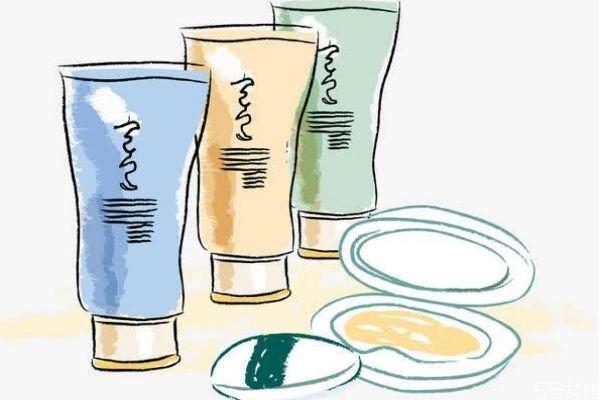 秋冬季节应该怎么给皮肤补水呢 秋冬季节怎么护肤呢