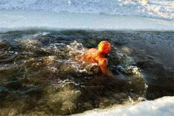 痛风可以冬泳吗 冠心病可以冬泳吗