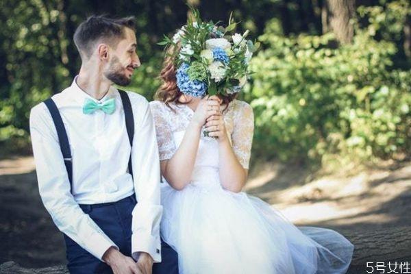 先领证再结婚靠谱吗 先领证后结婚利弊