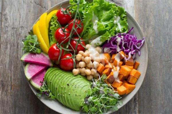 减肥看热量还是碳水化合物 脂肪和碳水哪个更容易长胖
