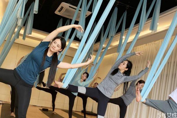什么是空中瑜伽呢 空中瑜伽好练吗