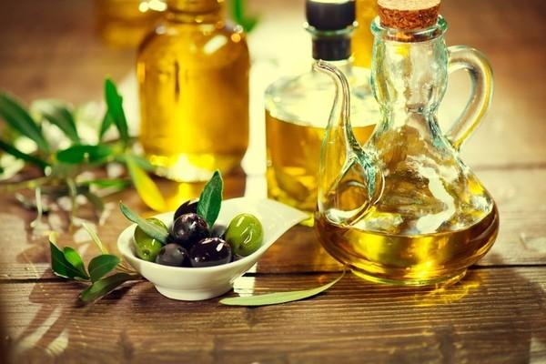 护发橄榄油怎么选择 头发上的橄榄油怎么清洗