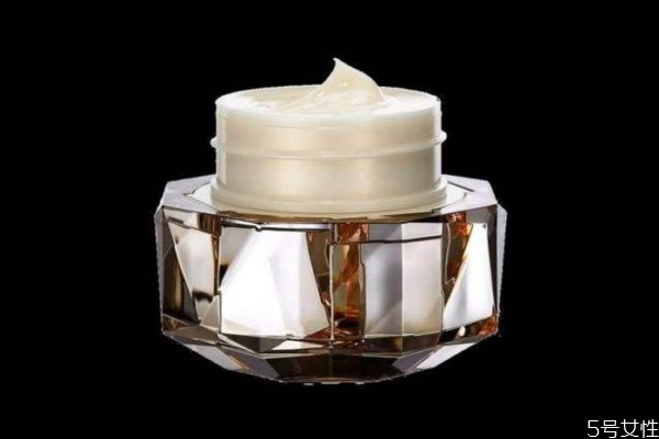 cpb金致乳霜适合什么肤质 cpb金致乳霜价格