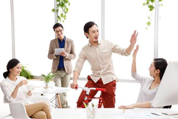 为什么不允许办公室恋爱 办公室恋爱会不会影响工作