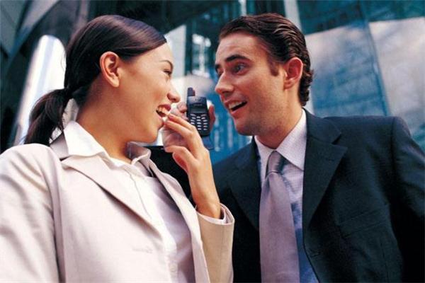 跟上司谈恋爱什么后果 为什么不能和上司谈恋爱