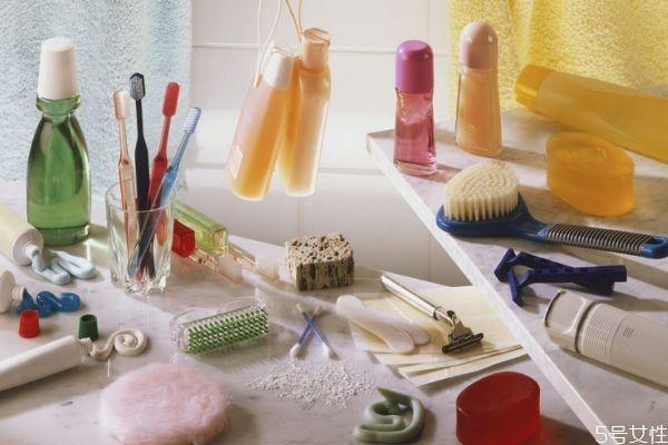 漱口水的原理是什么呢 用漱口水还需要刷牙吗