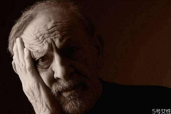 老年痴呆怎么预防 6个小动作让你80岁大脑不萎缩