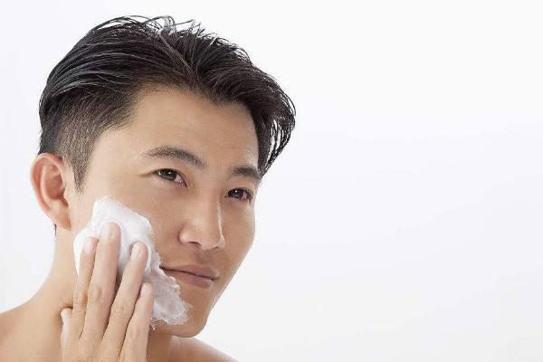 男士油性肌肤怎么改善 男士有油性肌肤护理技巧