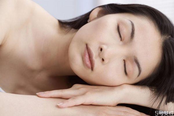 敏感肌肤可以用什么面膜呢 敏感肌肤可以化妆吗