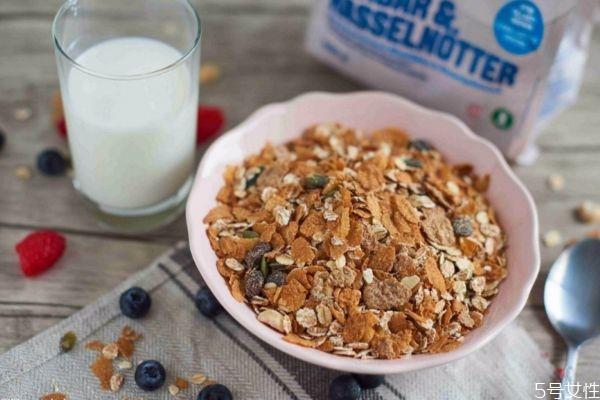 燕麦片有什么营养价值呢 吃燕麦片可以减肥吗