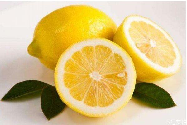 柠檬的主要成分是什么呢 柠檬有什么功效呢
