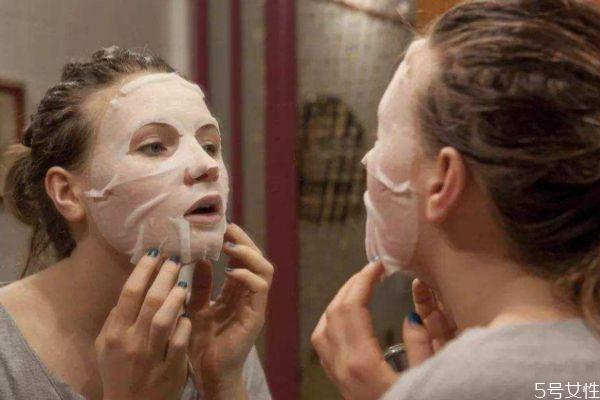 冬季护肤的方法有什么呢 冬季要减少面膜的次数吗