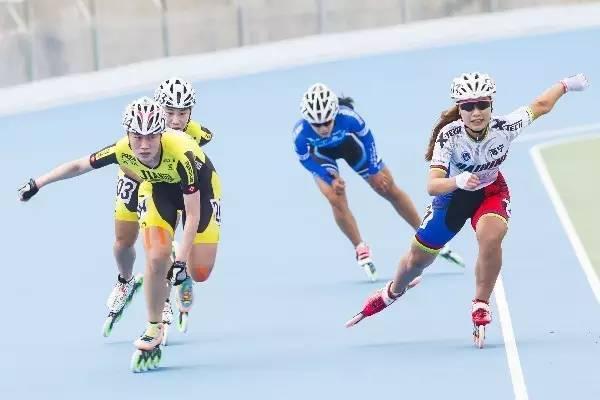 练轮滑怎样瘦腿 哪些运动最瘦腿