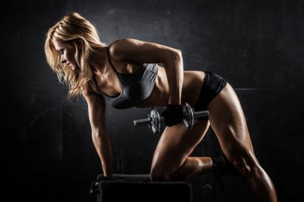 女生练胸肌的方法 女生练胸肌能丰胸吗
